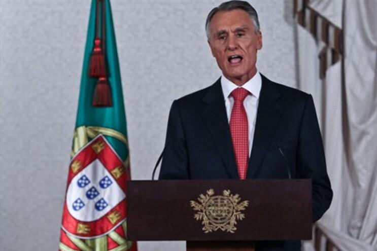 Cavaco vai anunciar decisão sobre crise polícia aberta com a demissão de Portas