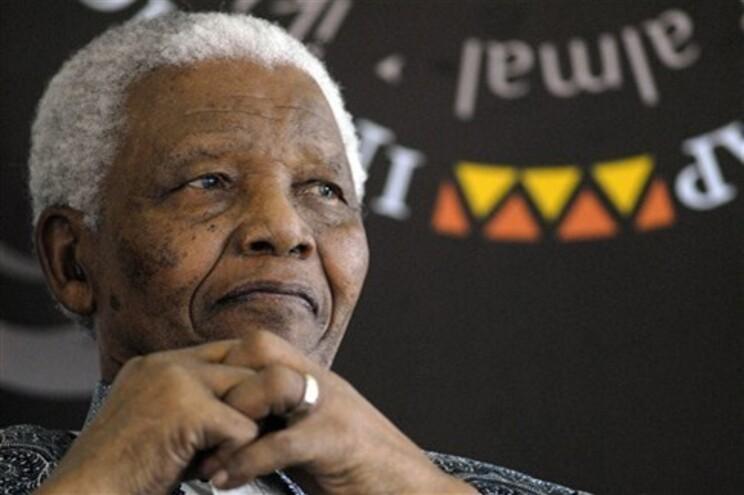 Nelson Mandela está hospitalizado desde o dia 8 de junho