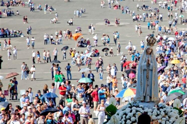 Culto cresce no mundo, mas Fátima recusa ser o Vaticano dos santuários
