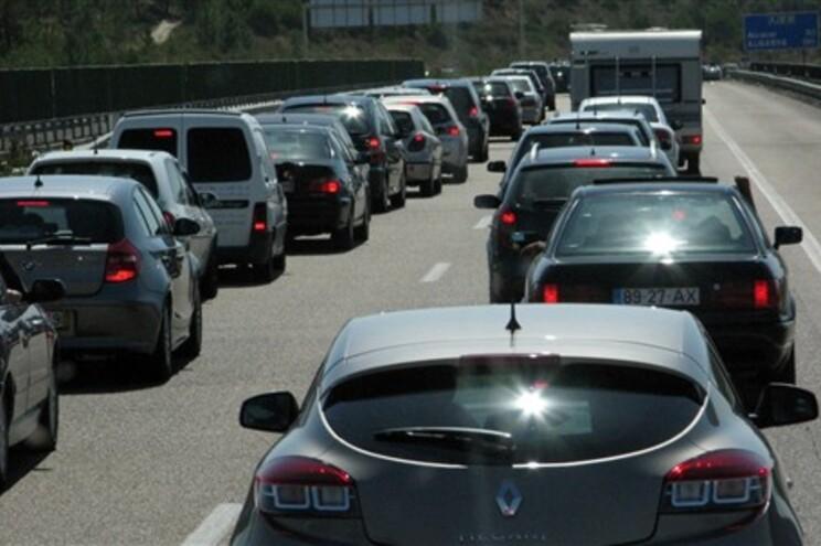 Carros a gasóleo vão pagar mais impostos