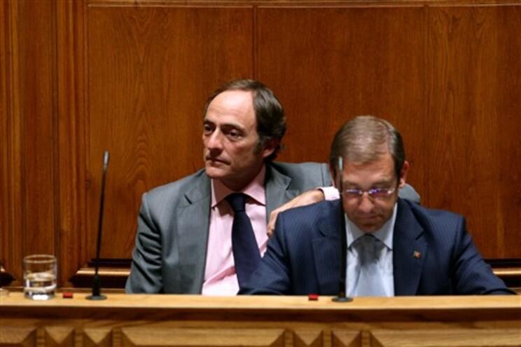 Paulo Portas diz que Governo quer baixar IRS em 2015