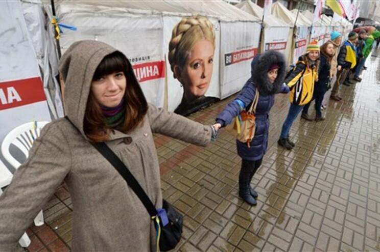 Cordão humano repetiu-se em várias cidades ucranianas