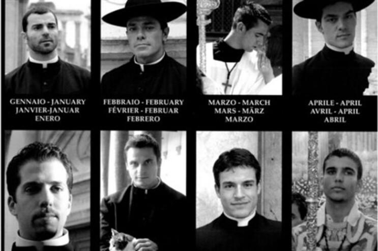 O calendário tem 12 dos sacerdotes mais bonitos do Vaticano, um para cada mês do ano