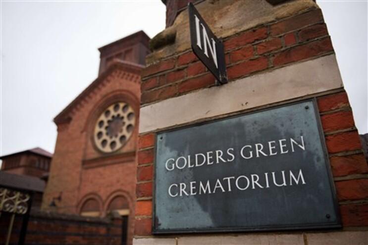 """Os restos mortais de Sigmund Freud e da sua mulher Martha"""" estão no cemitério Golders Green"""