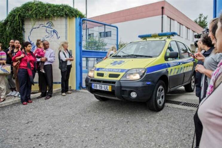 Jovem que esfaqueou quatro pessoas numa escola em Massamá