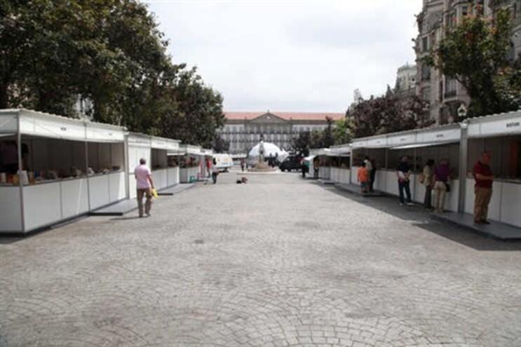"""APEL diz ter-se oferecido para organizar Feira do Livro do Porto """"por sua conta e risco"""""""