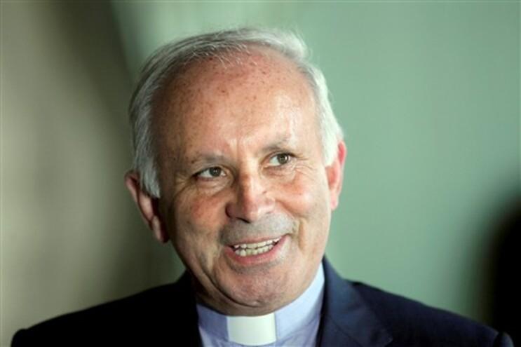 Bispo do Porto alerta que políticos deviam digladiar-se menos