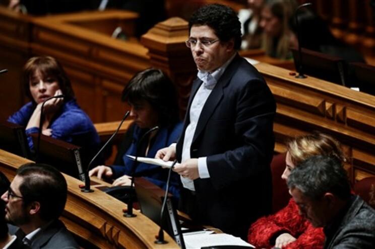 """Jorge Machado, do PCP, considera que diploma """"compromete a dignidade dos trabalhadores"""""""