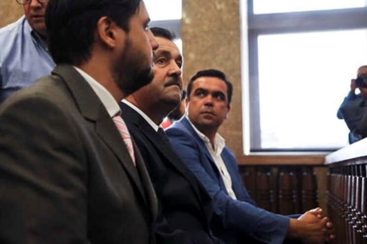 Manuel Godinho (ao centro)