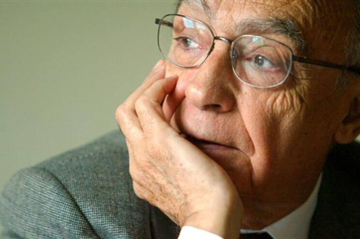 Escritor morreu em junho de 2010