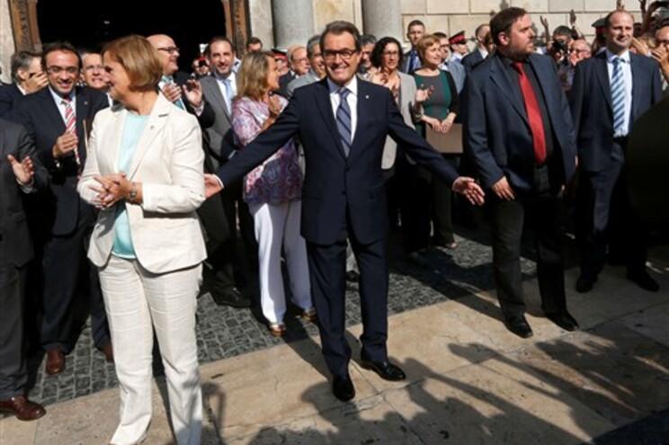 Artur Mas assinou este sábado o decreto de convocatória do referendo independentista