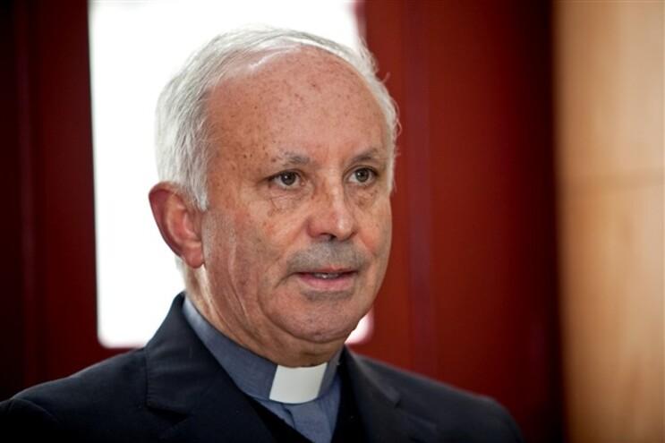 D. António Santos quer que as autoridades esclareçam a origem das cartas anónimas