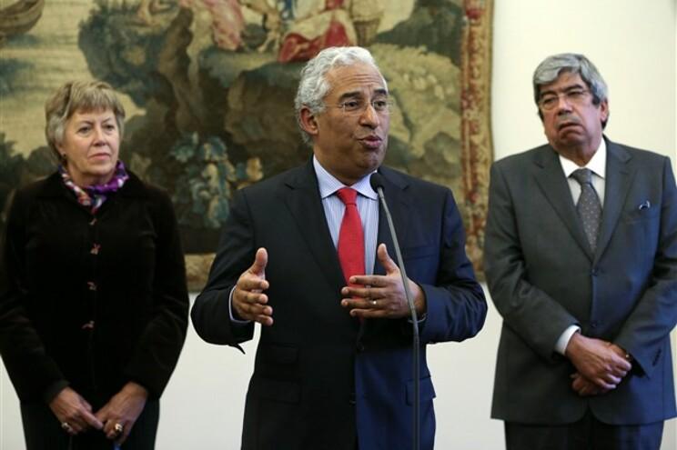 António Costa com Maria Luz Rosinha e Ferro Rodrigues após a audiência com Passos Coelho