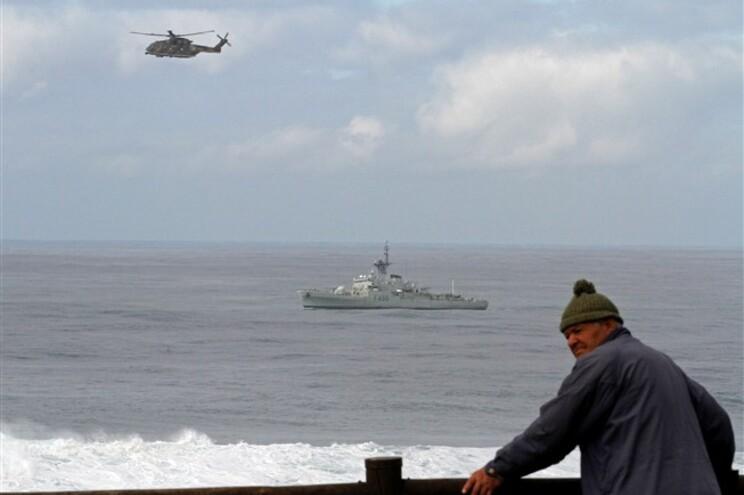 As autoridades foram alertadas, cerca das 3.10 horas desta quarta-feira, para o naufrágio