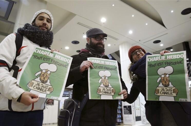 """Tiragem do """"Charlie Hebdo"""" subiu pata sete mil exemplares"""