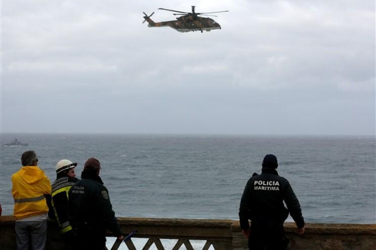 As redes foram avistadas na Praia Grande pelas 8 horas