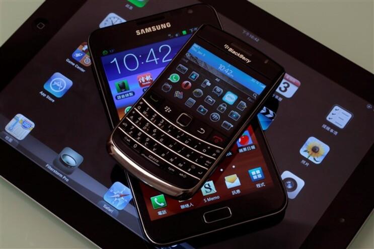 Taxas sobre telemóveis, pens e impressoras estão mesmo a chegar