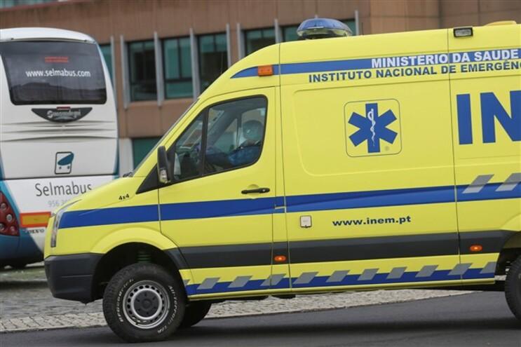 Caso ocorreu segunda-feira, em Vila Nova de Gaia, durante o transporte de uma doente