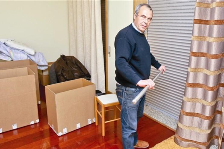 José Valente está a empacotar as suas coisas mas não tem para onde ir