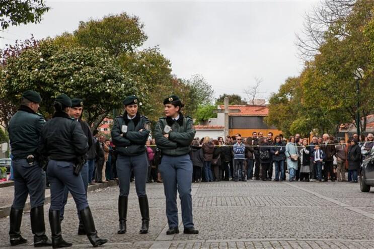 Protestos em Canelas contra a saída do padre Roberto Sousa