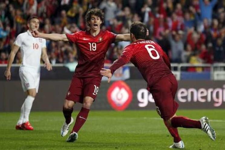 Golo de Portugal aos dez minutos de jogo