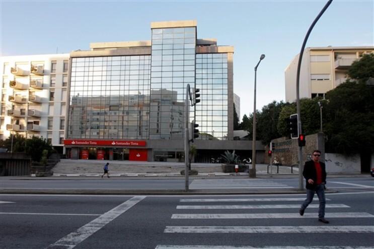 Vereador do Urbanismo do Porto admite estudar novo pedido para legalizar Dallas