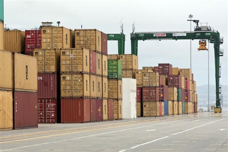 Exportações sobem 3,5% e importações 6,2% em maio