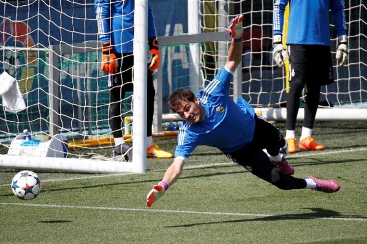 Real Madrid confirma Íker Casillas no F. C. Porto