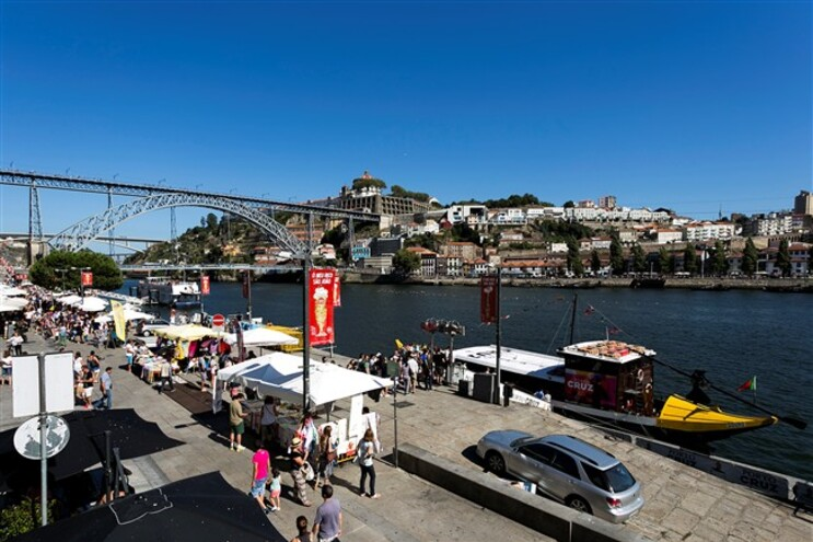 Turistas rendidos às viagens ao Douro