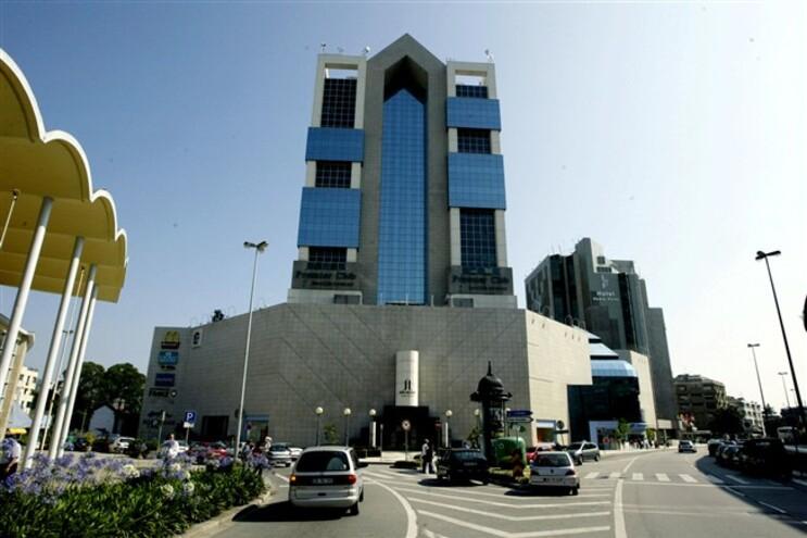 Centro comercial Bom Sucesso