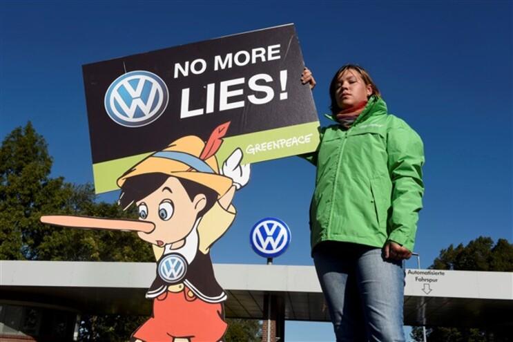 Protesto da Greenpeace em frente à  Volkswagen na Alemanha