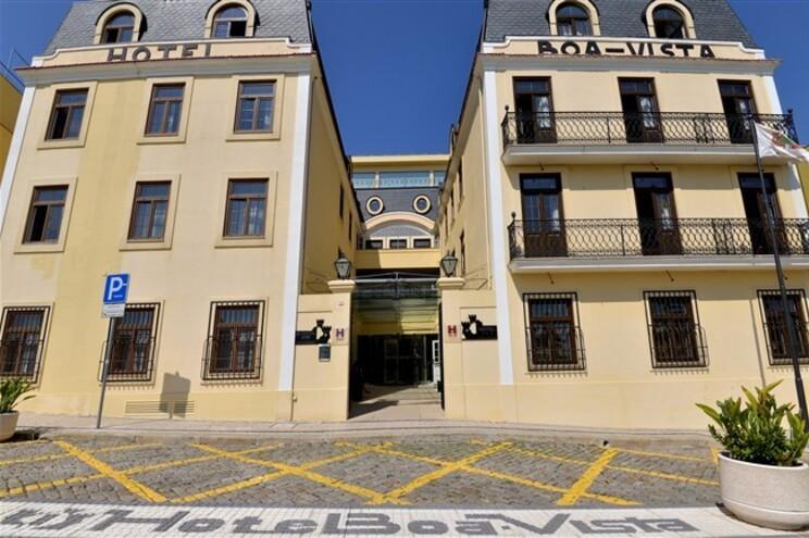 O Hotel Boa-Vista, no Porto, foi obrigado a encerrar e estima prejuízos de cerca de 200 mil euros