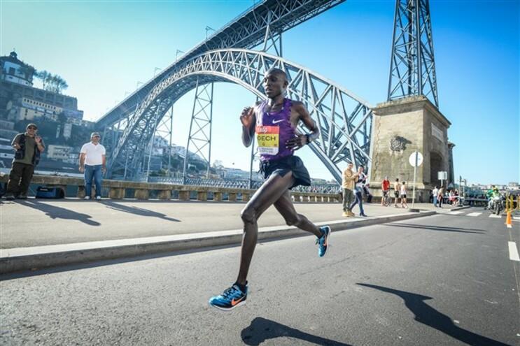 Atletas quenianos e etíopes lideram Maratona do Porto