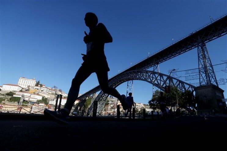 """Organização da Maratona do Porto diz que federação de atletismo """"enganou toda a gente"""""""