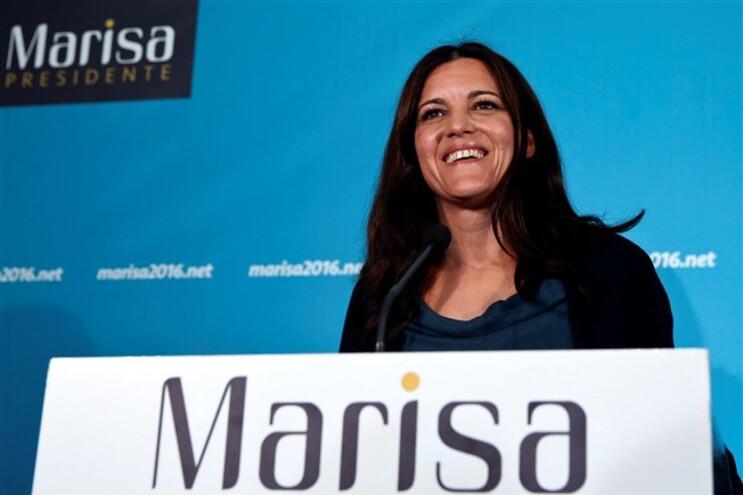 Marisa Matias e Louçã criticam cartaz sobre adoção gay