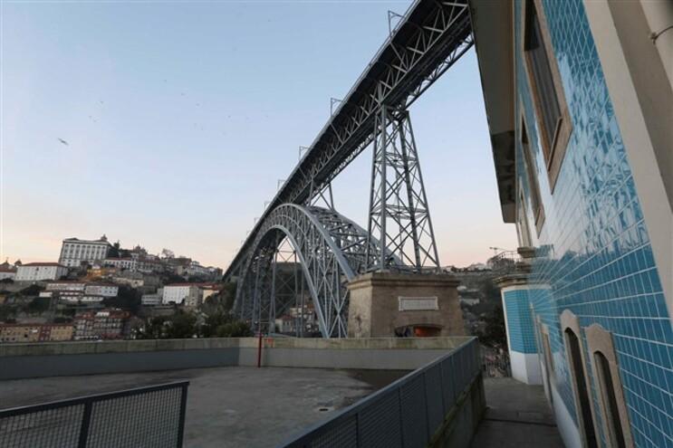 Ponte Luís I entre Porto e Vila Nova de Gaia