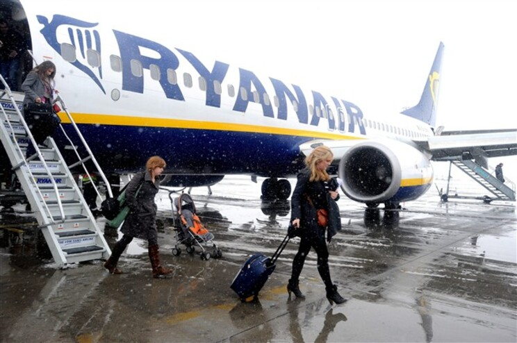 Ryanair diz que Portway cancelou contratos de Lisboa e Porto
