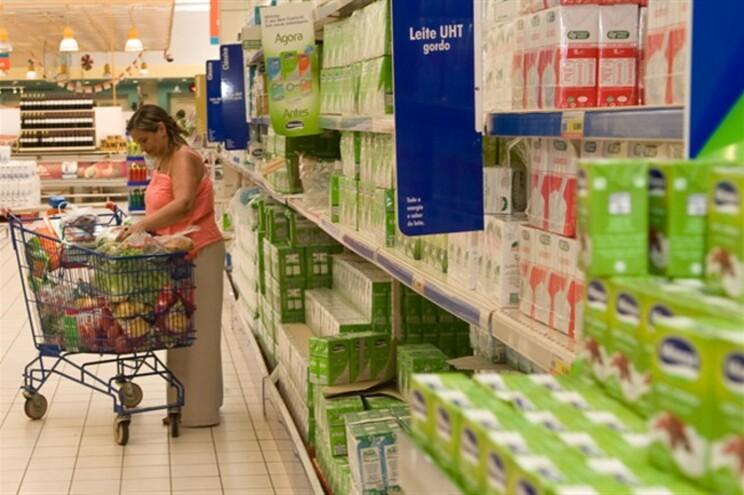 Consumo de leite continua a descer
