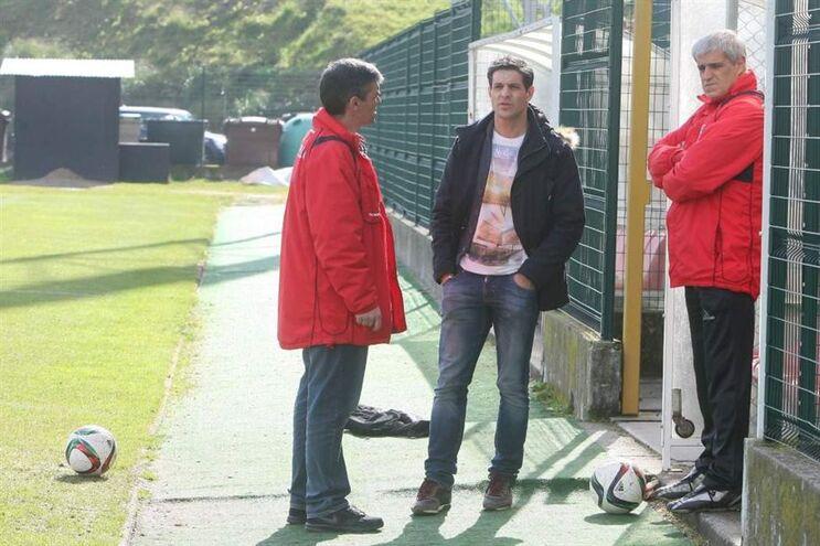 Nuno Silva, diretor desportivo do Leixões (ao centro na foto), é um dos detidos