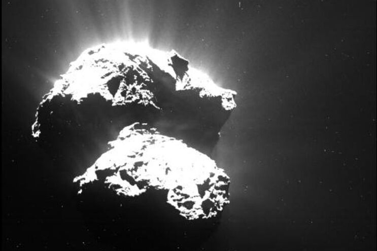 Imagem do cometa 67P/Churyumov-Gerasimenko captada pela sonda europeia Rosetta