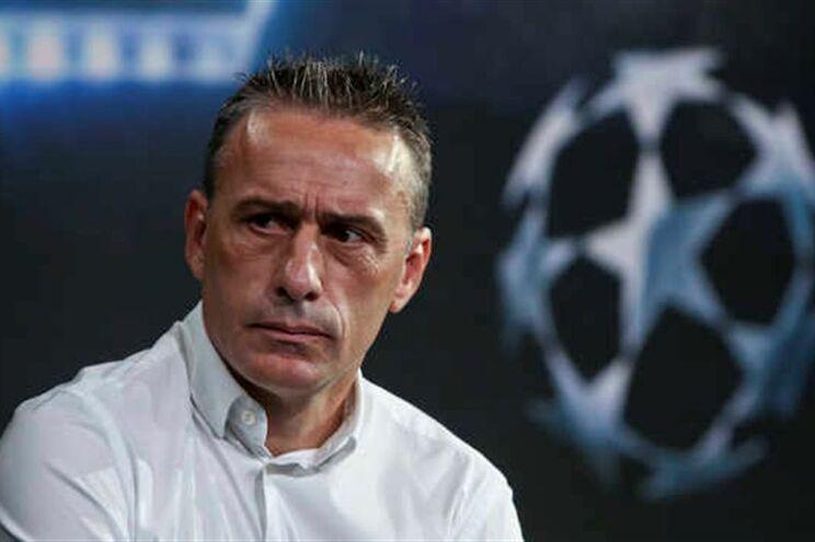 Paulo Bento continua sem ganhar e foi expulso