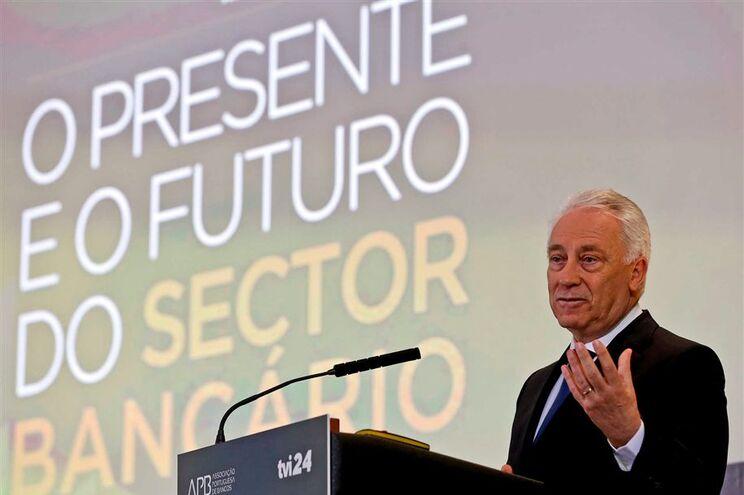 O governador do Banco de Portugal (BdP), Carlos Costa