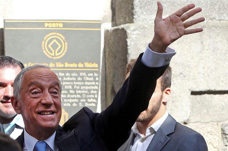 Marcelo vai condecorar emigrantes