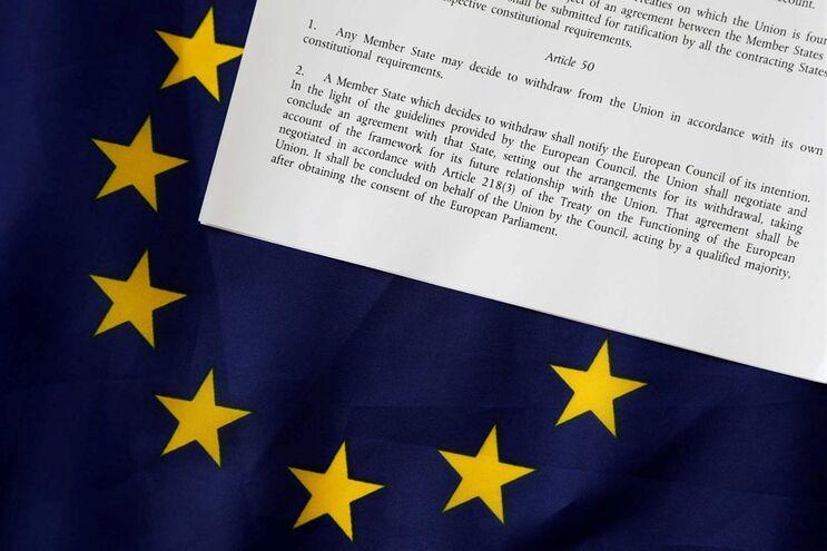 51,9% dos britânicos votou a favor da saída do país da União Europeia