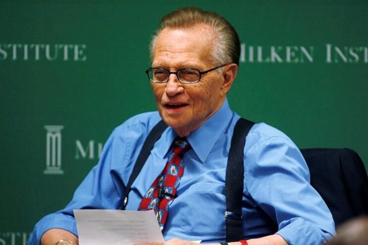 Larry King acusado de receber dinheiro para entrevistar político