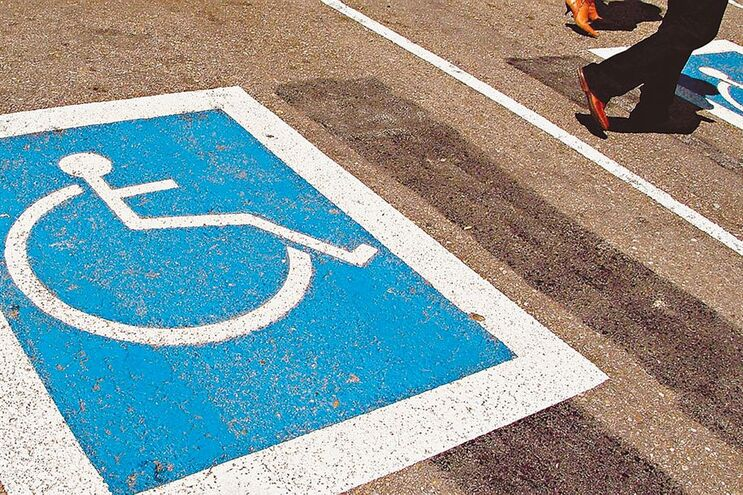Governo tira isenção  do IUC a deficientes