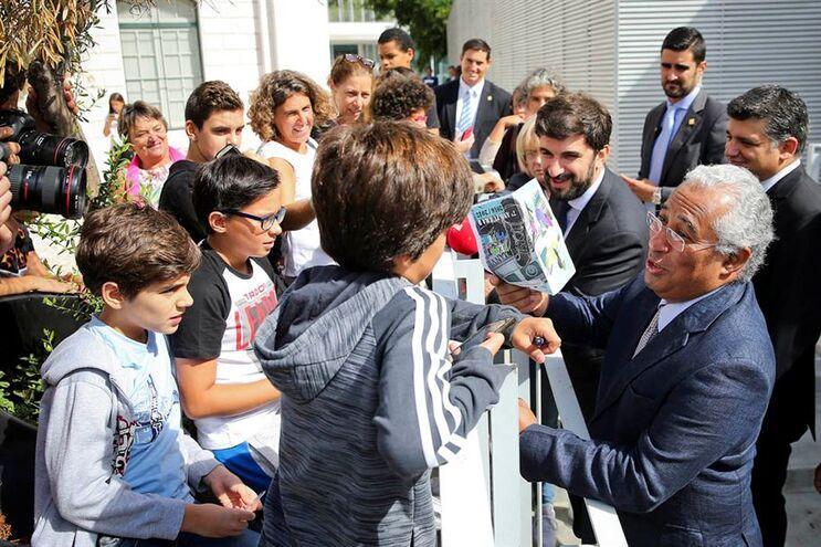 António Costa visitou o Liceu Passos Manuel, onde foi aluno