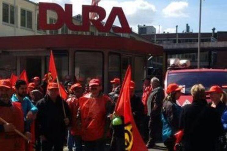 Operários portugueses recebidos com protesto de colegas em fábrica na Alemanha