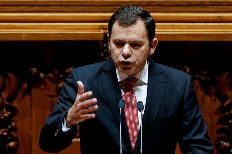 Luís Montenegro, do PSD