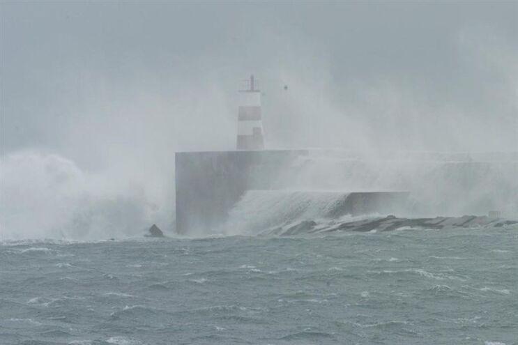 Previsão de chuva e trovoadas nos Açores